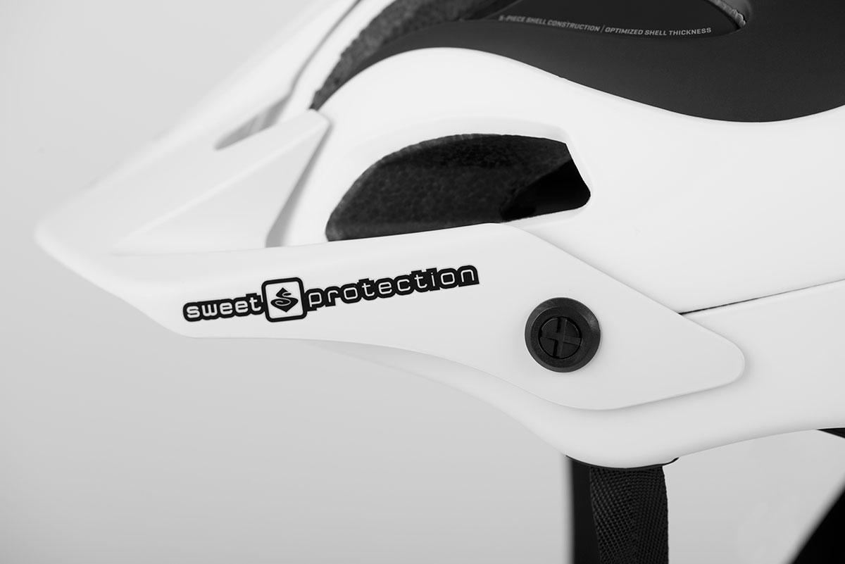845029-bushwhacker-matte_white+gloss_black-detail07