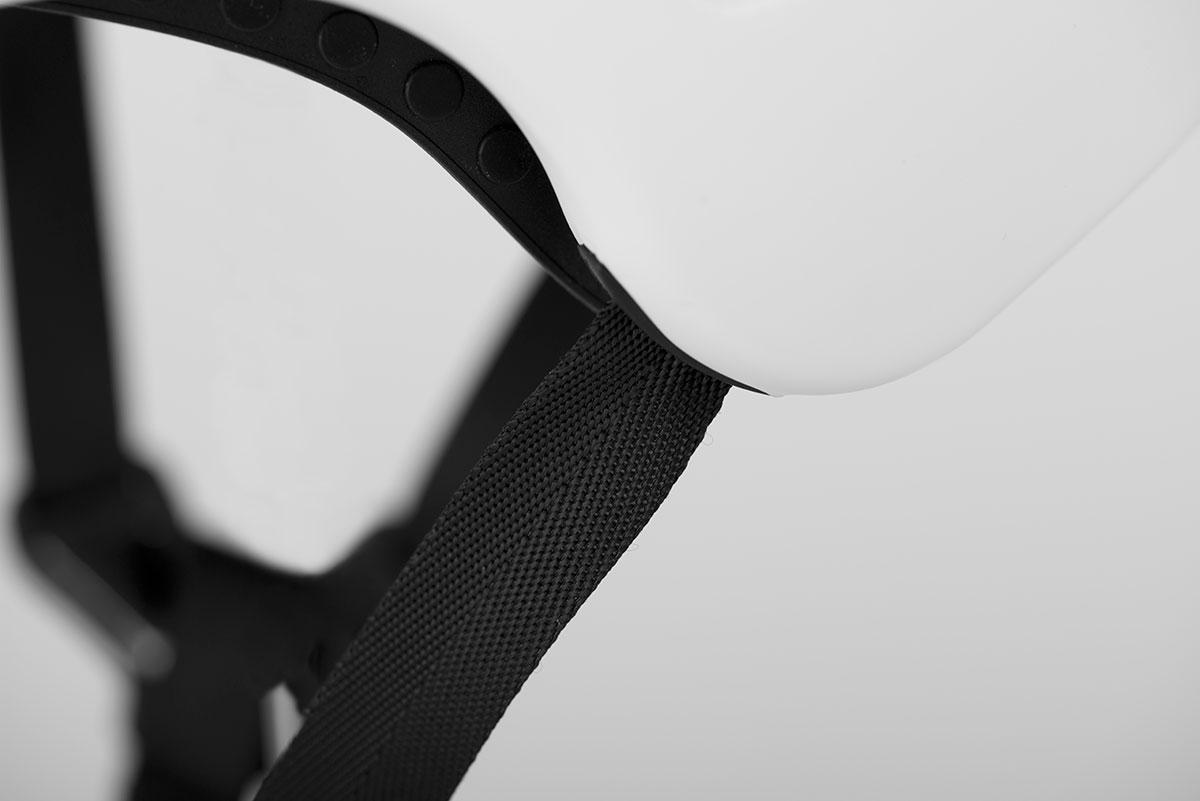 845029-bushwhacker-matte_white+gloss_black-detail09