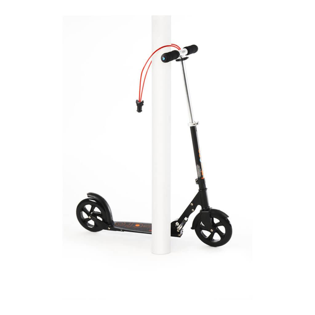 Micro Scooter Black 200mm interlock - angeschlossen